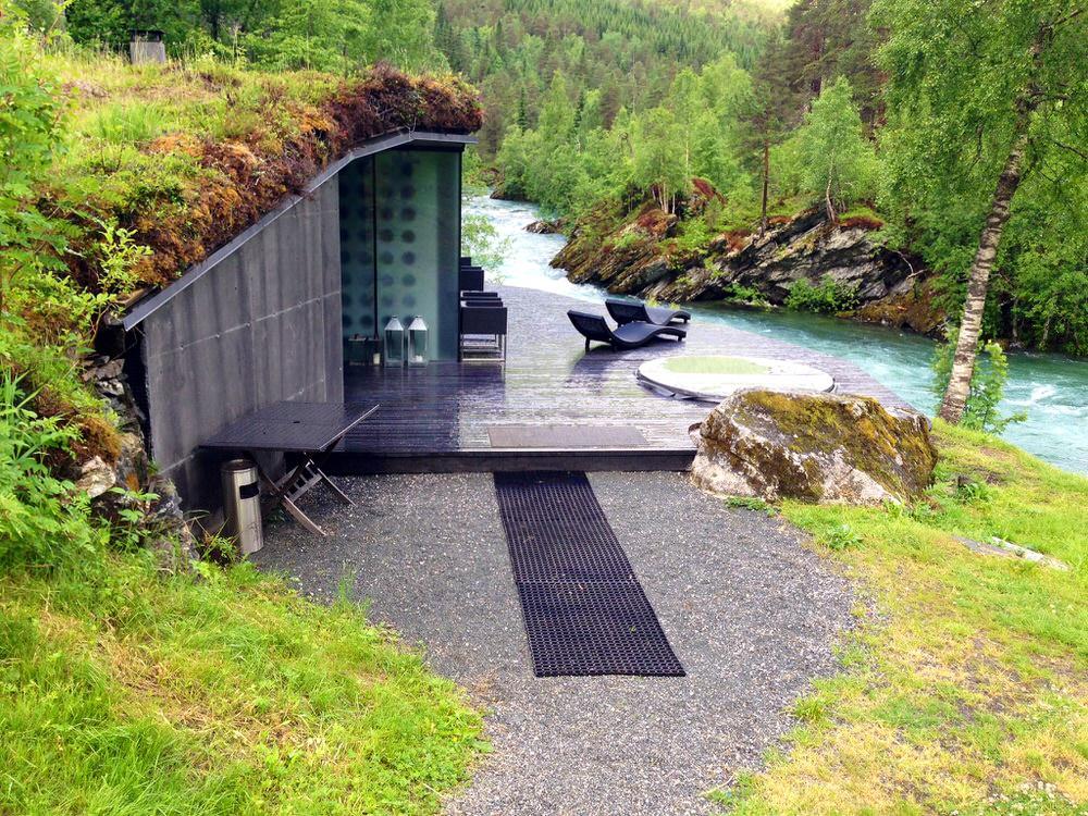 Juvet-Spa-by-the-River-Valldøla